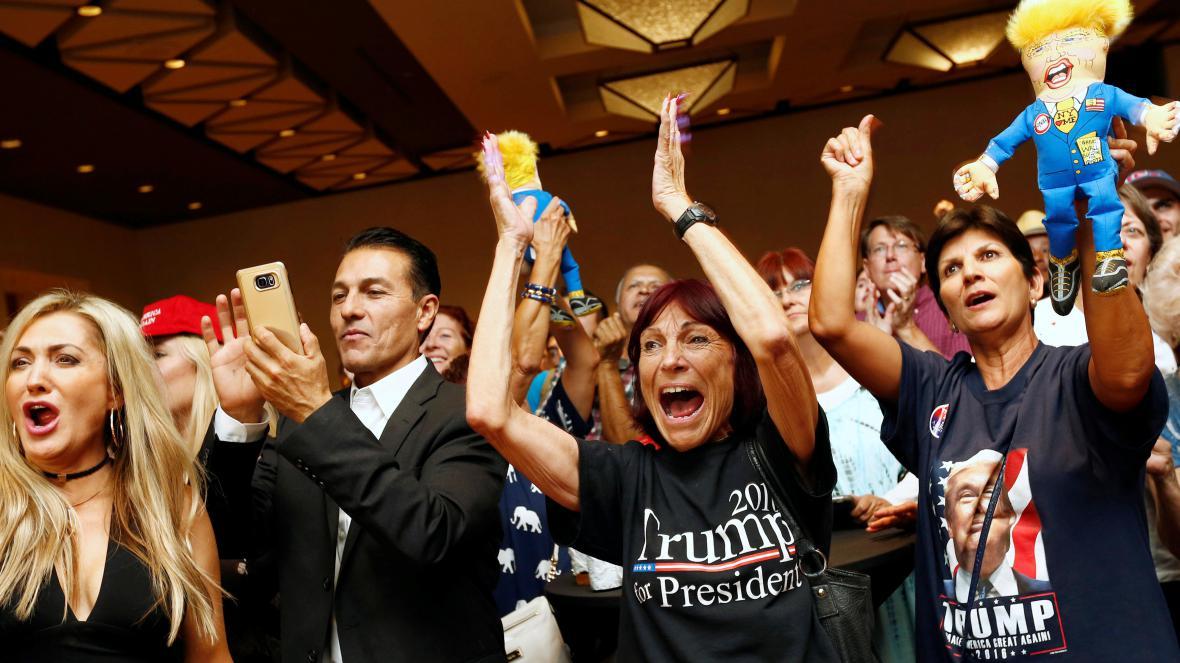 Stoupenci Donalda Trumpa oslavují jeho triumf
