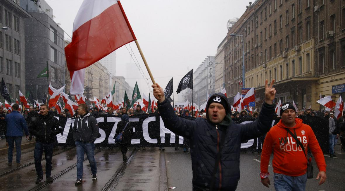 Oslavy dne nezávislosti provázely v Polsku demonstrace