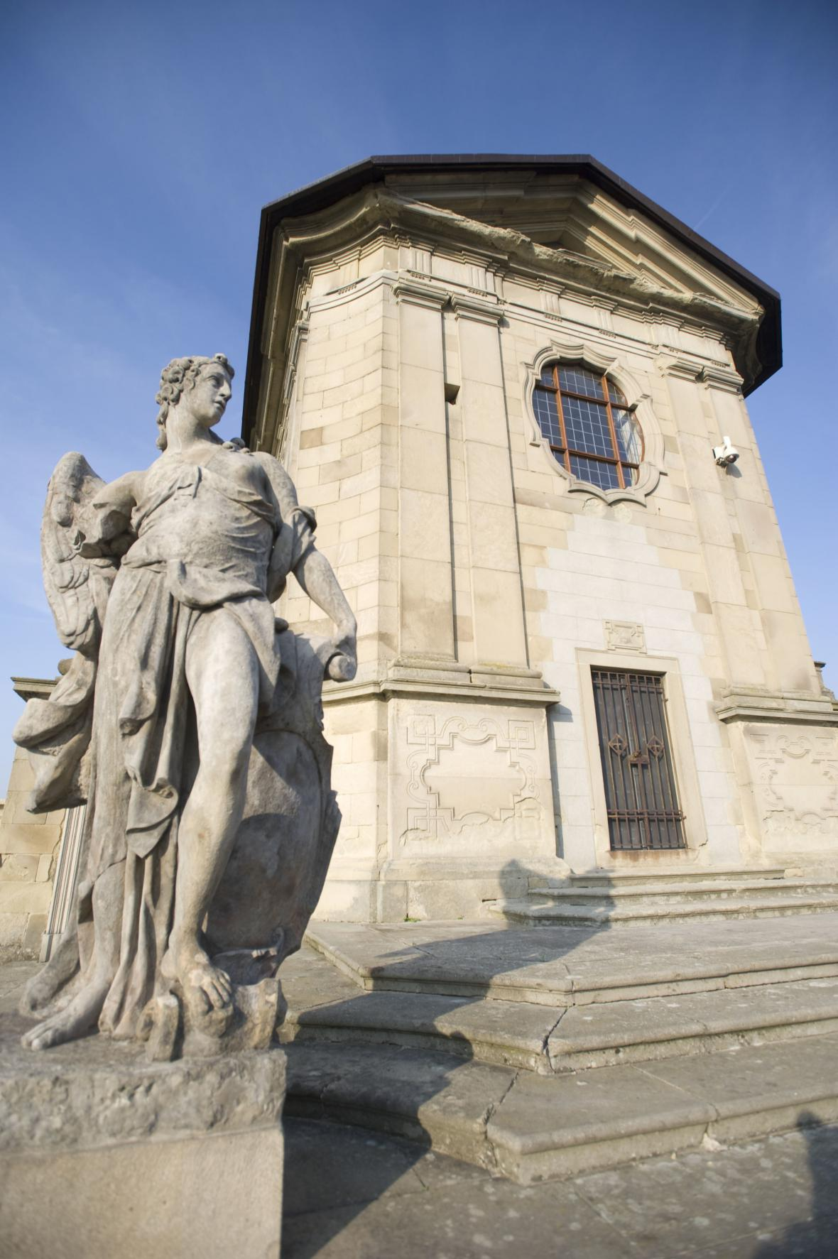 Barokní hřbitov ve Střílkách je unikátem