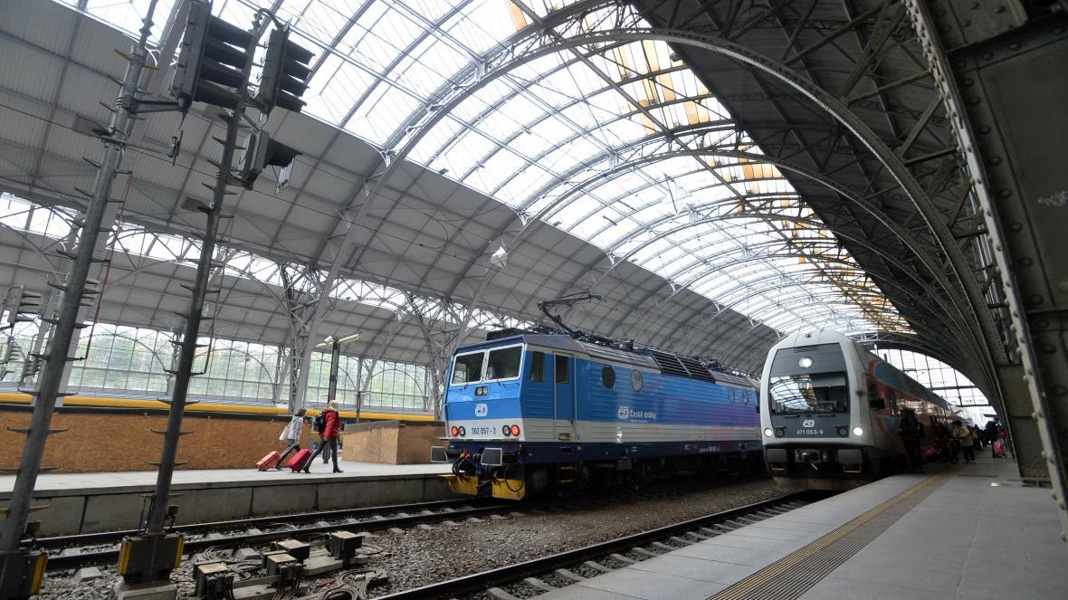 Vlaky na pražském hlavním nádraží