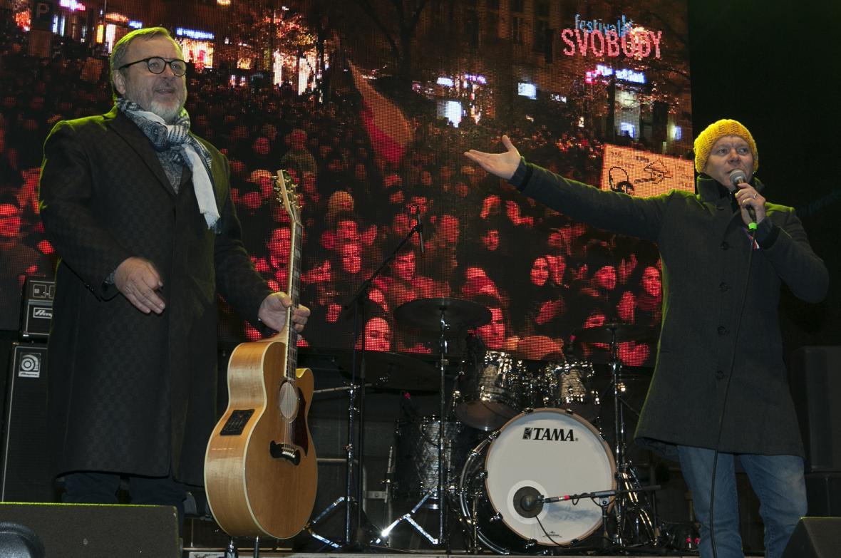 Obrazem: Koncert na Václavském náměstí i demonstrace. Praha slavila 17. Listopad