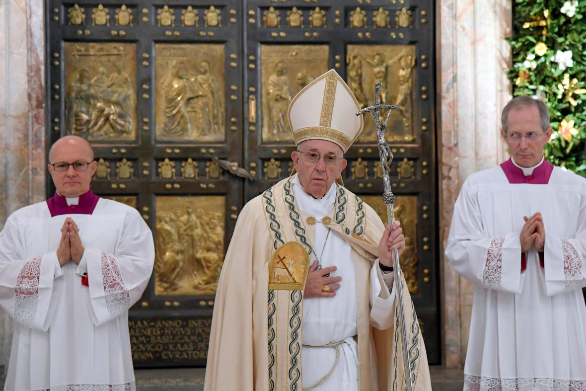 František ukončil Svatý rok