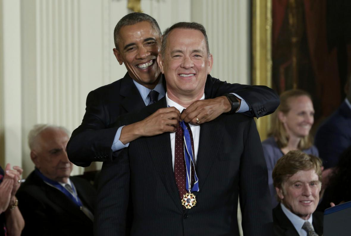 Obama a herec Tom Hanks