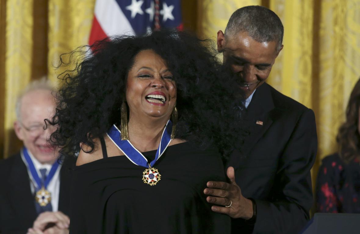 Obama a zpěvačka Diana Rossová