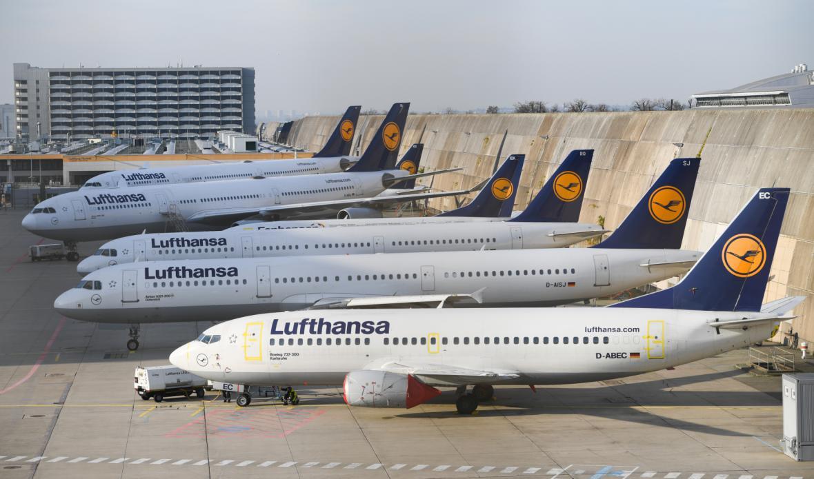 Piloti Lufthansy dál stávkují.