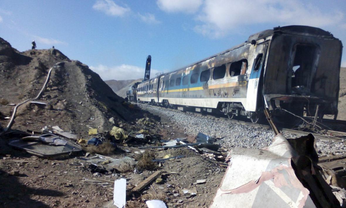 Nehoda vlaků v Íránu