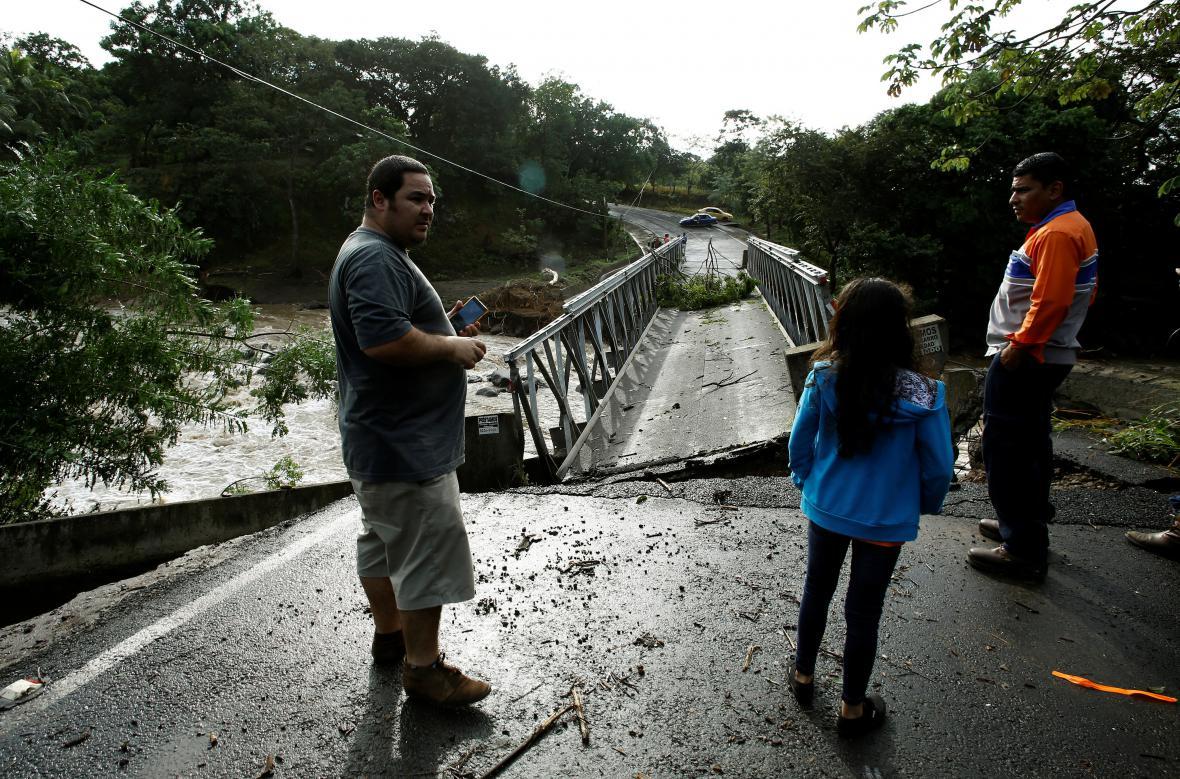 Následky hurikánu Otto v Kostarice