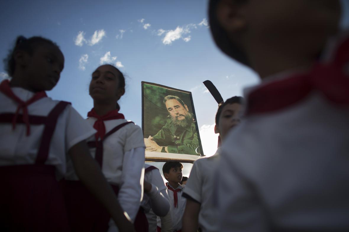 Oslava vůdce revoluce v centru Havany