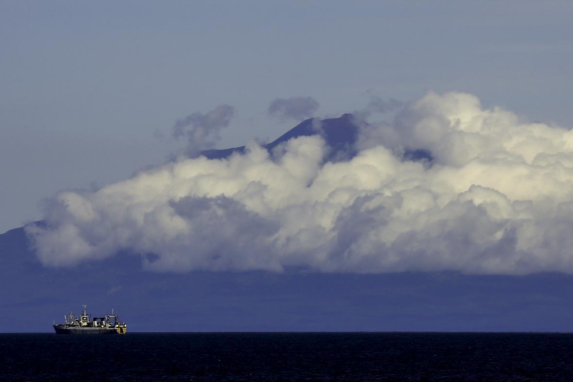 Pohled na jihokurilský ostrov Kunašir