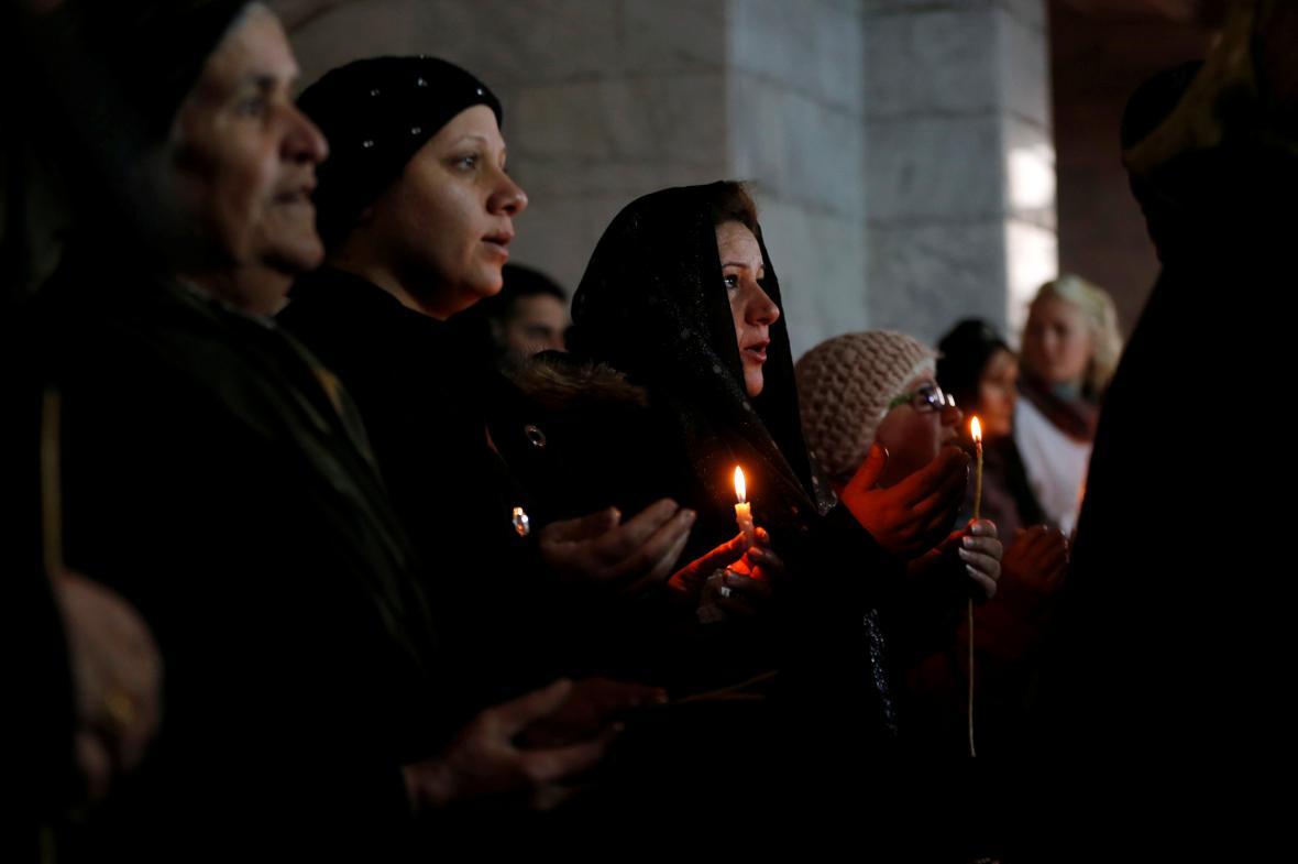 Po třech letech oslavili křesťané z irácké Bartelly Vánoce