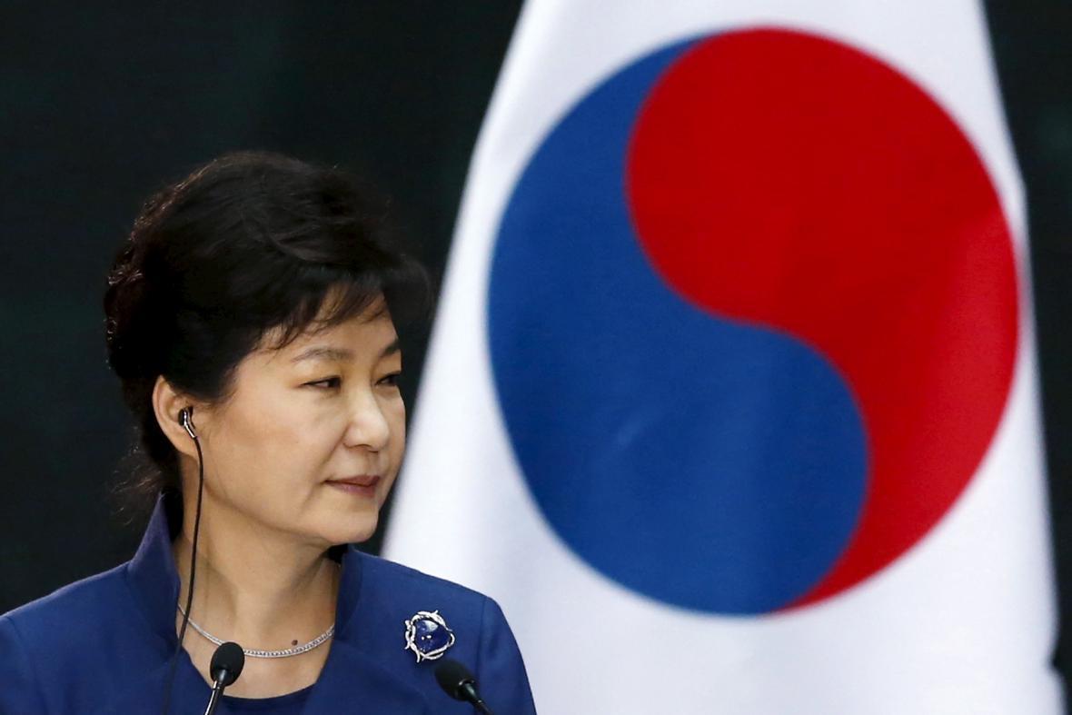 Stíhaná Pak Kun-hje odmítla přijít k soudu