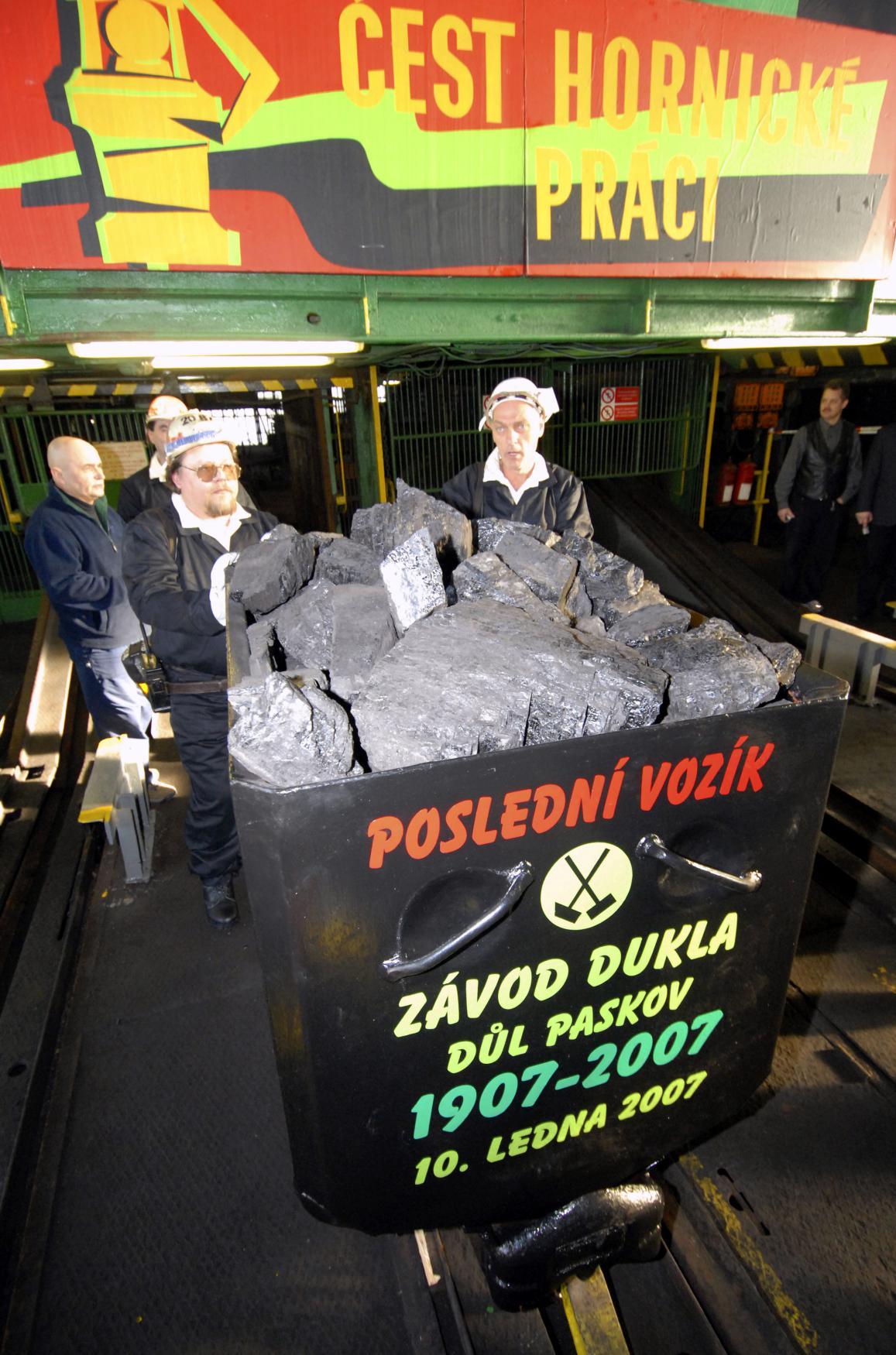 Poslední vozík s uhlím z Dolu Dukla