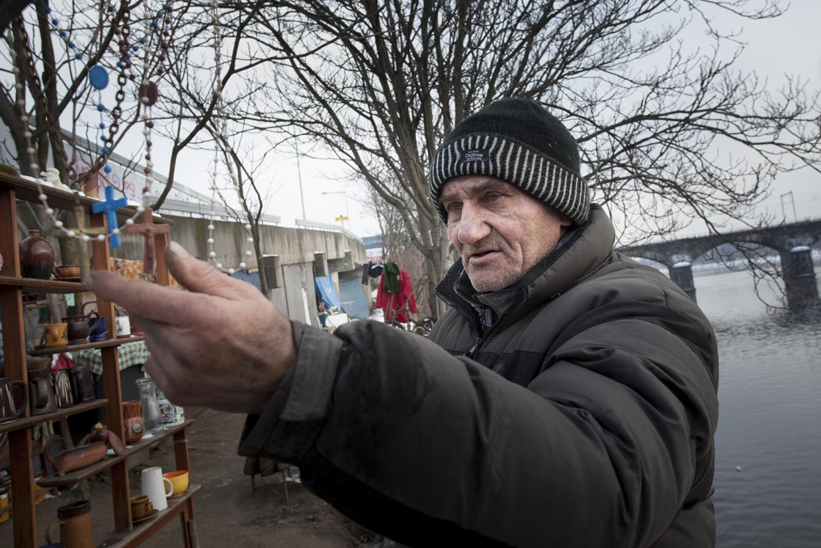 Jak bezdomovec v Praze přežívá mrazy