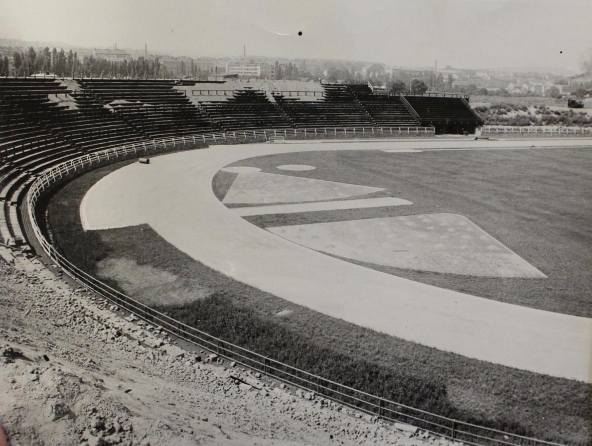 Historie fotbalového stadionu za Lužánkami