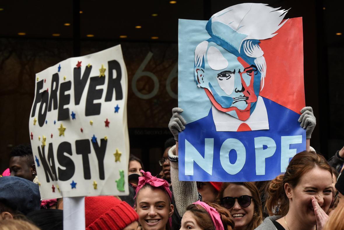 Celosvětové pochody za práva žen. Miliony lidí tím daly najevo svůj nesouhlas s Trumpem