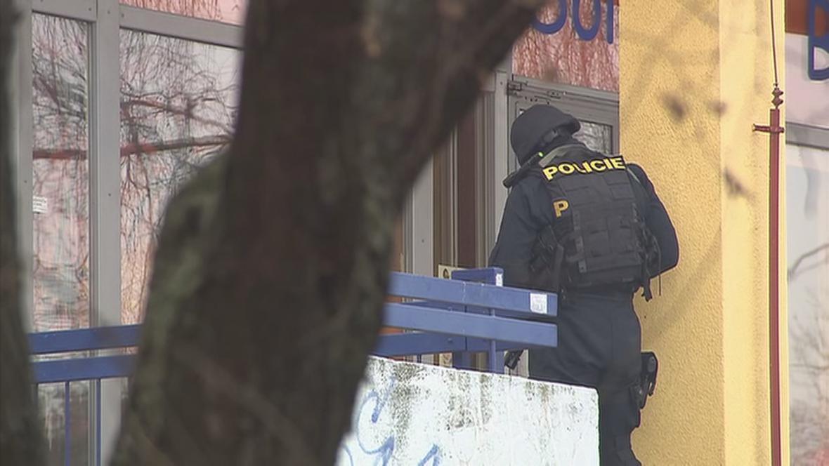 Policista u přepadené herny