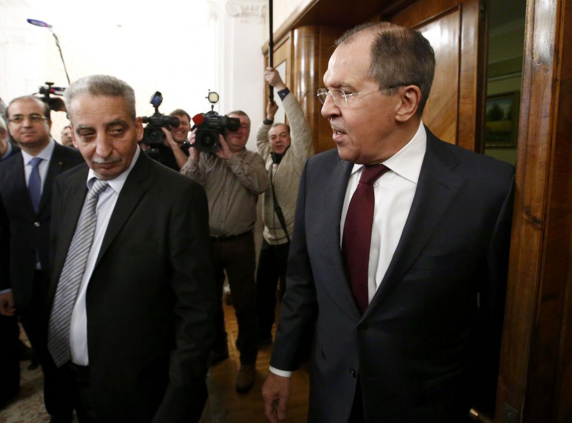 Sergej Lavrov míří na jednání se zástupci syrské opozice