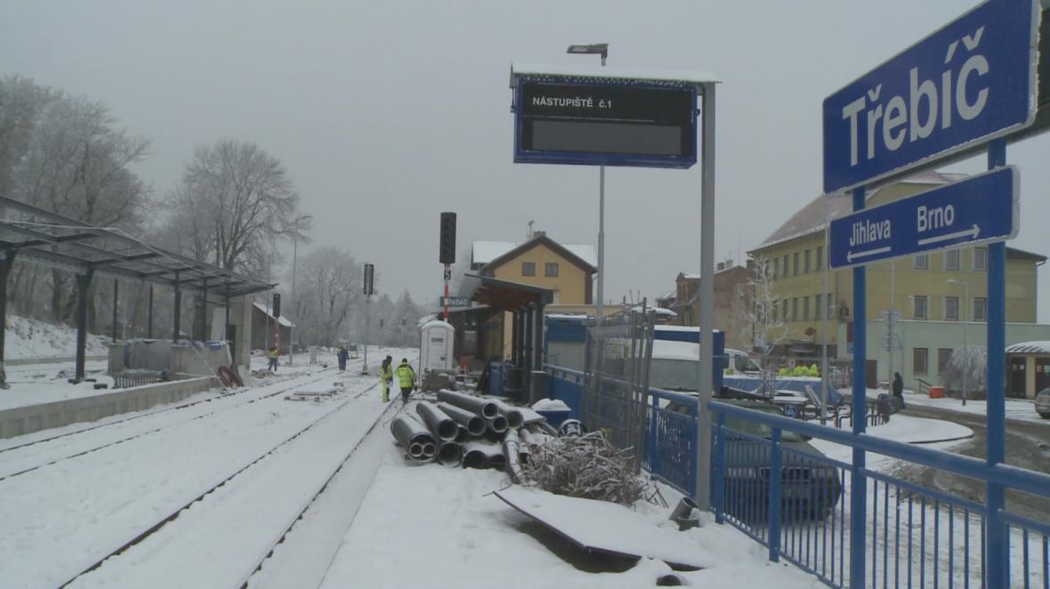Železniční trať mezi Jihlavou a Brnem bude celá opravená až o prázdninách