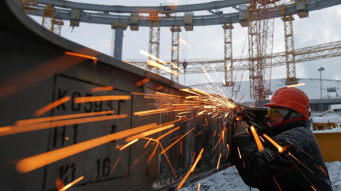 Práce na stadionu v Jekatěrinburgu