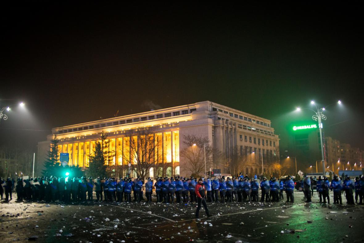 Rumunská metropole zažívá neklidné noci