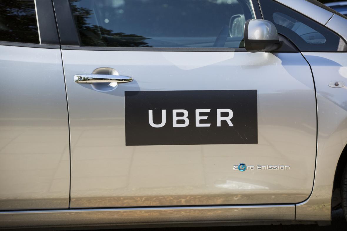 Nejsme taxislužba, tvrdí UBER