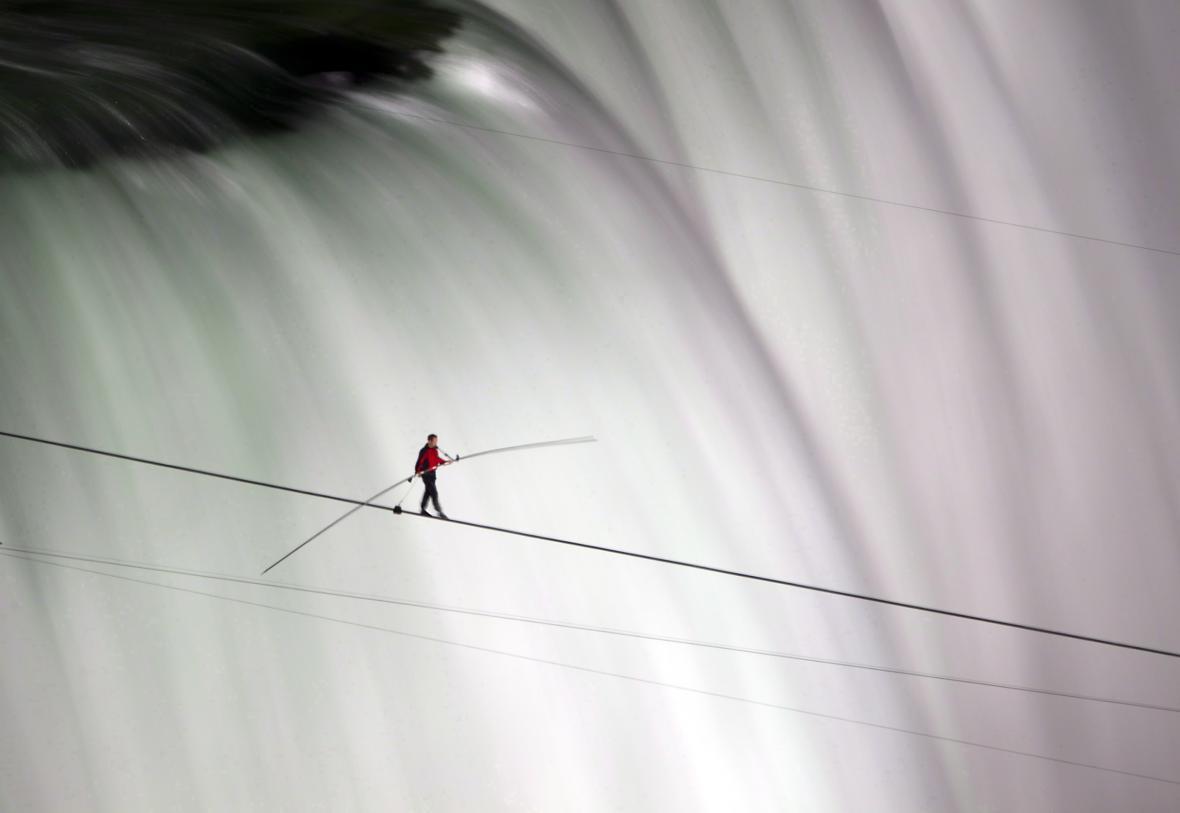 Wallenda nad Niagarskými vodopády