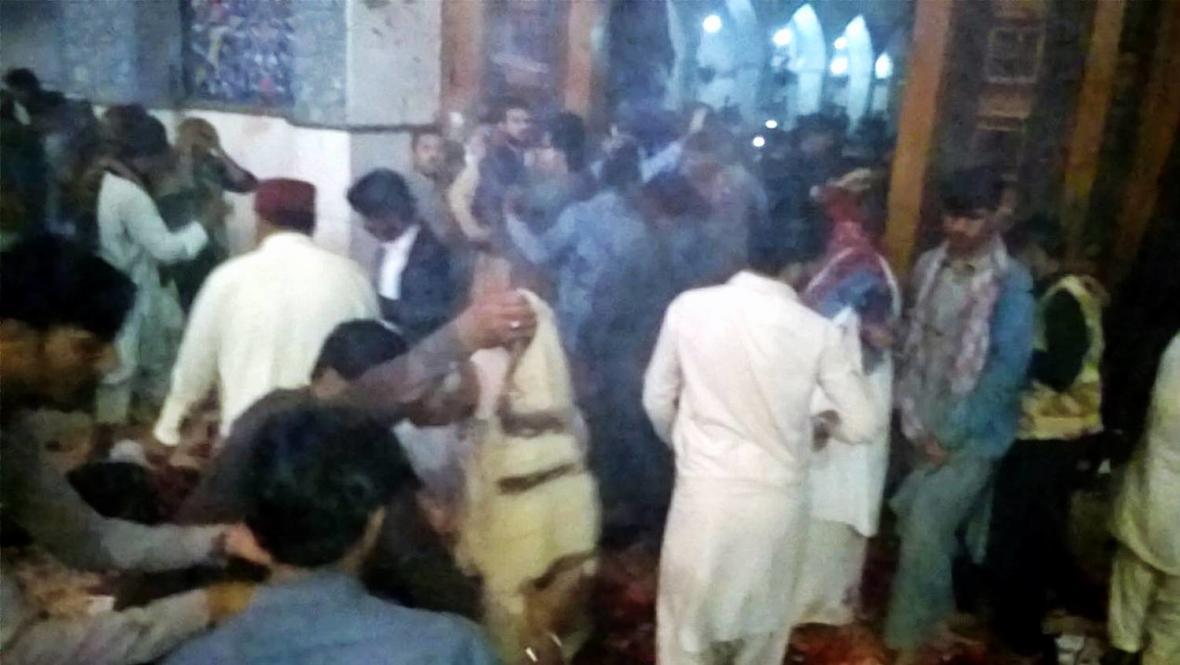 Útok v pákistánské svatyni