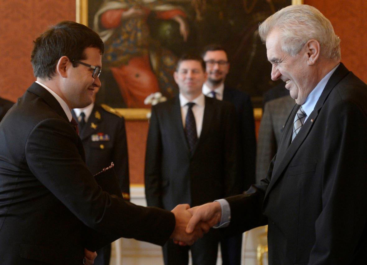 Prezident Miloš Zeman jmenoval Jana Chvojku ministrem