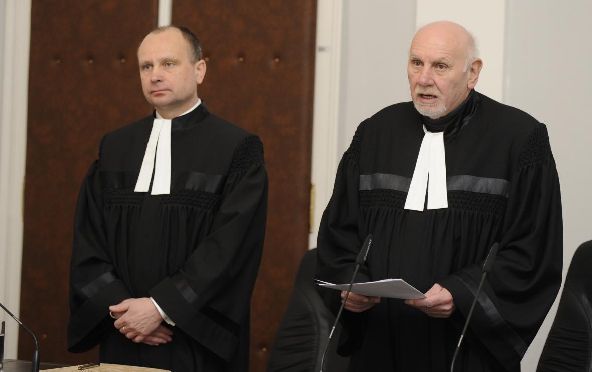Ústavní soudci rozhodli, že zákon ponechají v platnosti