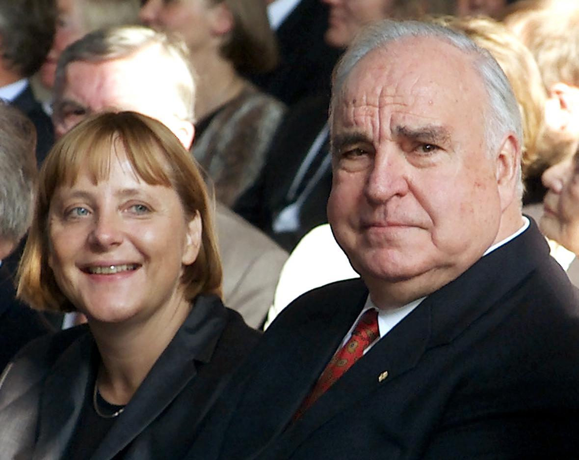 Angela Merkelová a Helmut Kohl v roce 2000