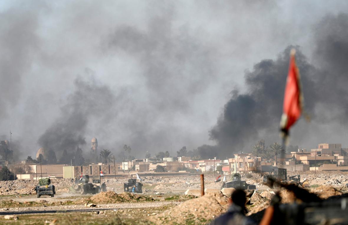 Boje o Mosul pokračují už pátým měsícem