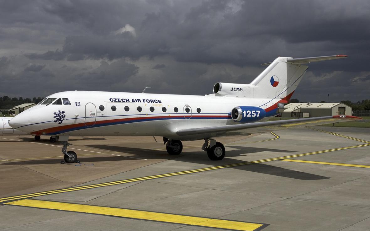 Jak-40 ve službě české armády