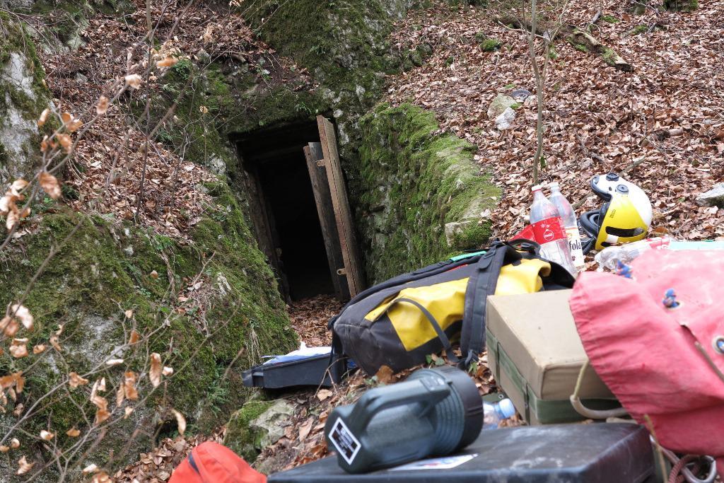 Obtížné bylo nejen vyproštění, ale i cesta ven z jeskyně