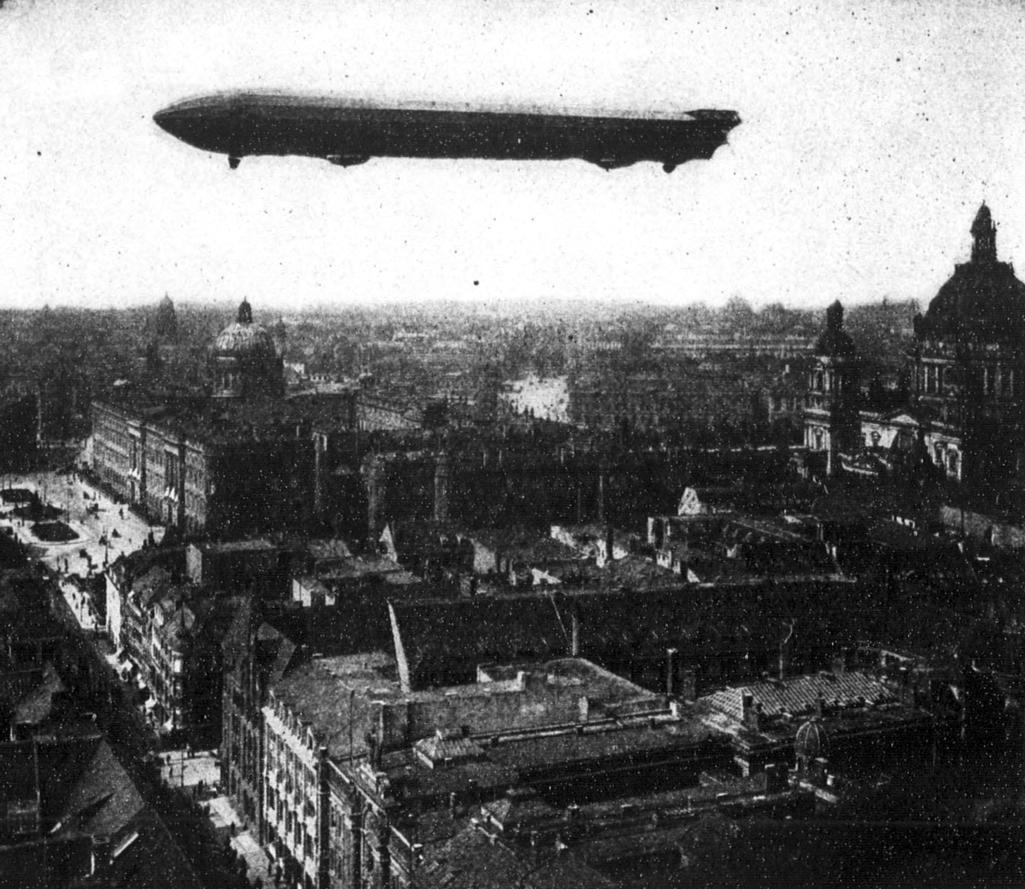 První vzducholoď hraběte Zeppelina LZ 1 z roku 1900