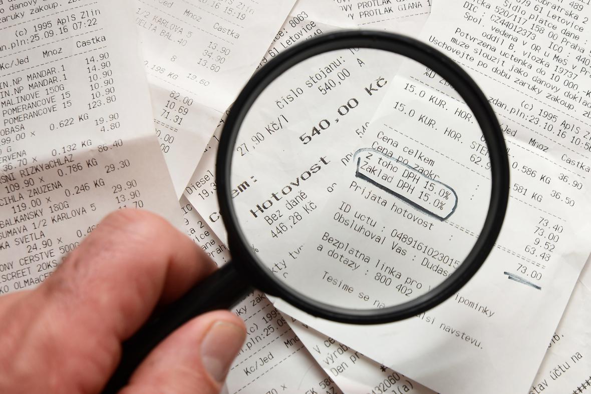 Inspektoři Finanční správy udělali už dvanáct tisíc kontrol obchodníků kvůli EET
