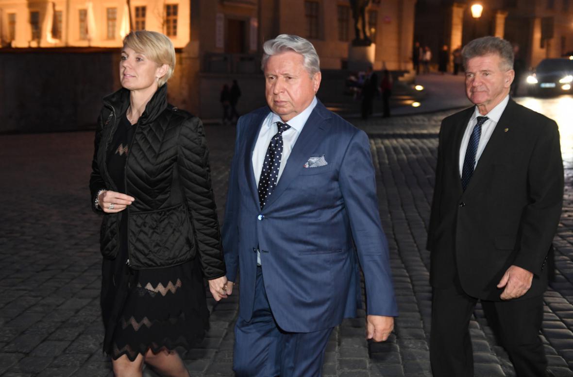Příznivci Miloše Zemana na recepci ve Španělském sále Pražského hradu