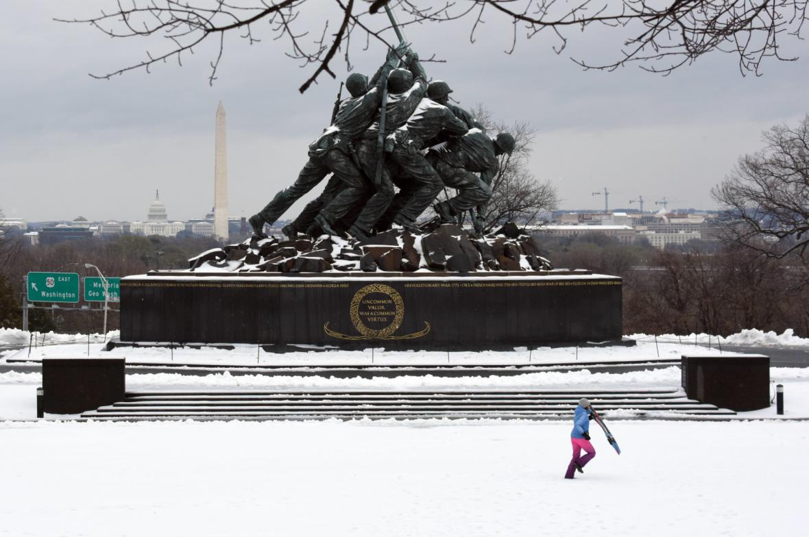 Památník členům americké námořní pěchoty v Arlingtonu
