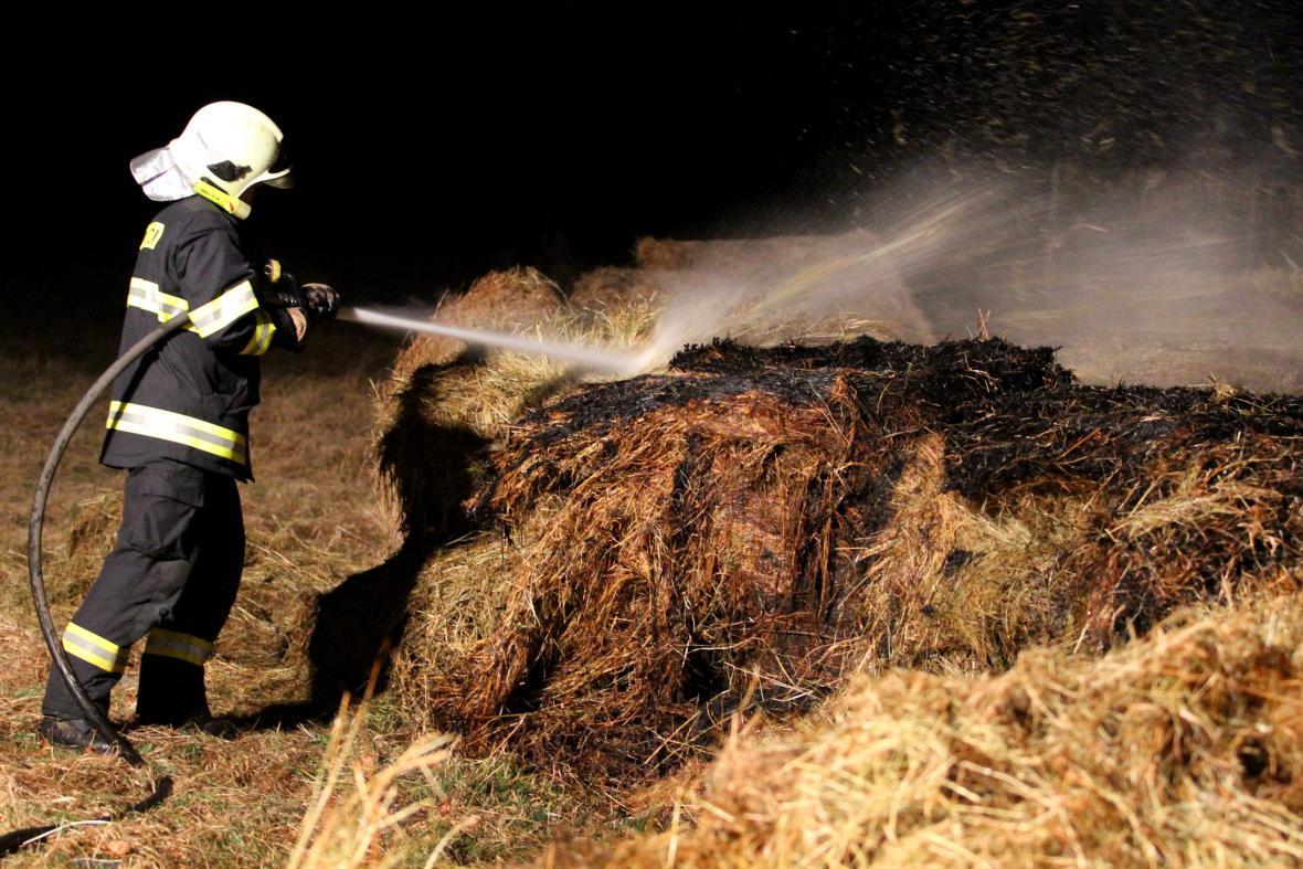 O prvním březnovém víkendu hasiči vyjížděli k požáru v 227 případech