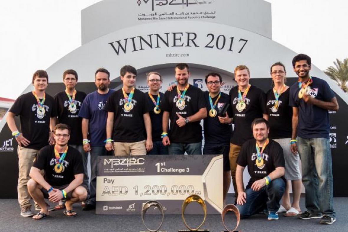 České drony na světové soutěži