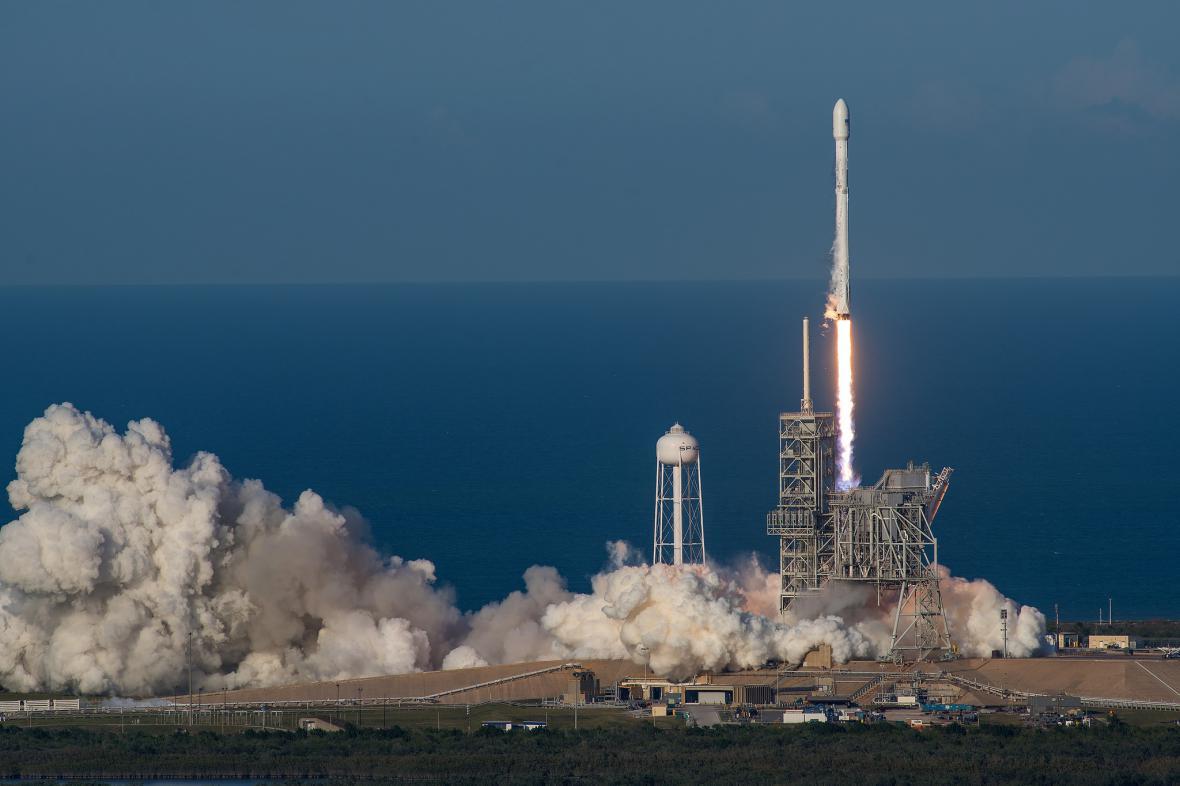 Let Falconu 9 z 30. března