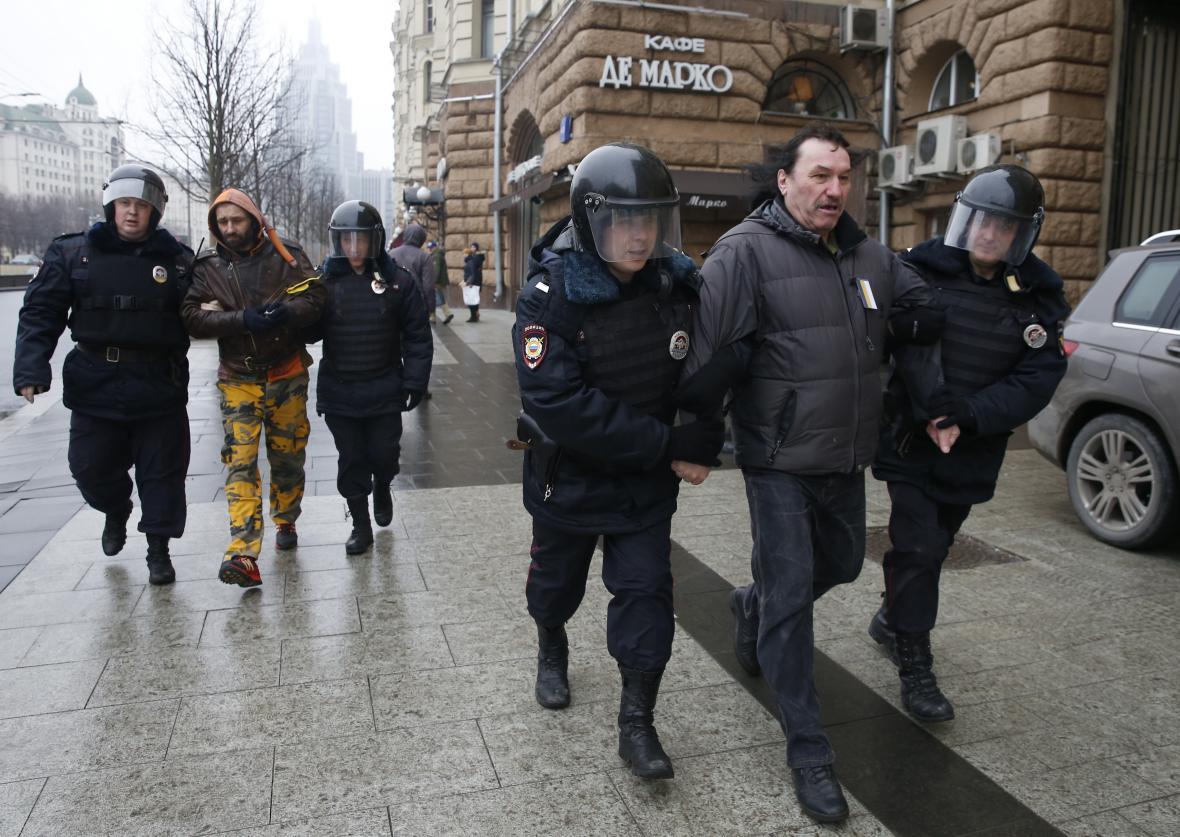 Zatýkání při moskevském protestu