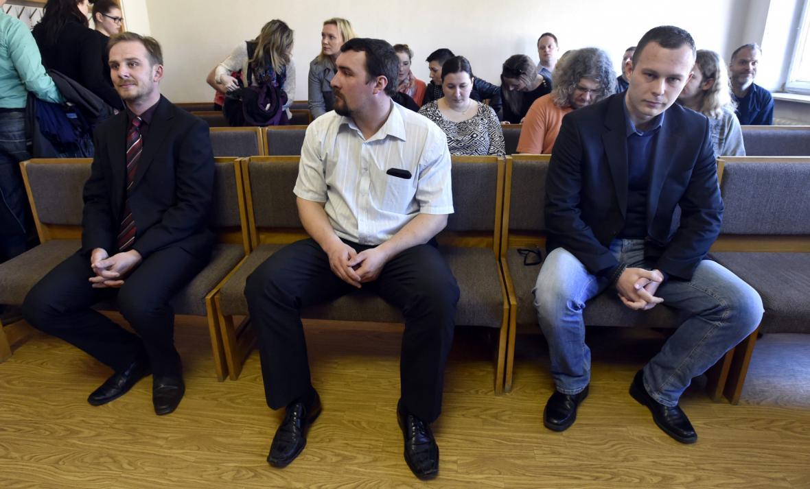 Trojice policistů před soudem v Uherském Hradišti