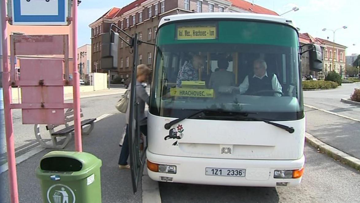 Místní i turisté budou jezdit ve Valašském Meziříčí zdarma