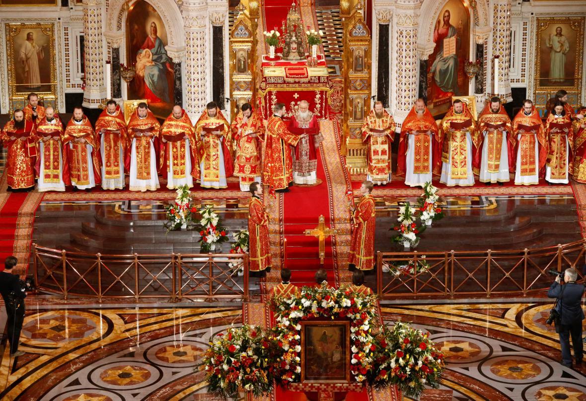 Patriarcha Kirill, nejvyšší představitel Ruské pravoslavné církve, při mši v chrámu Krista Spasitele v Moskvě