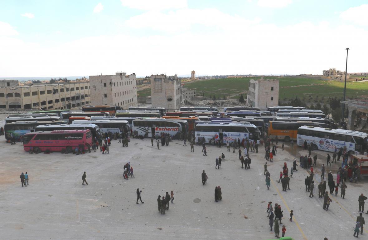 Autobusy v obci Kefrája