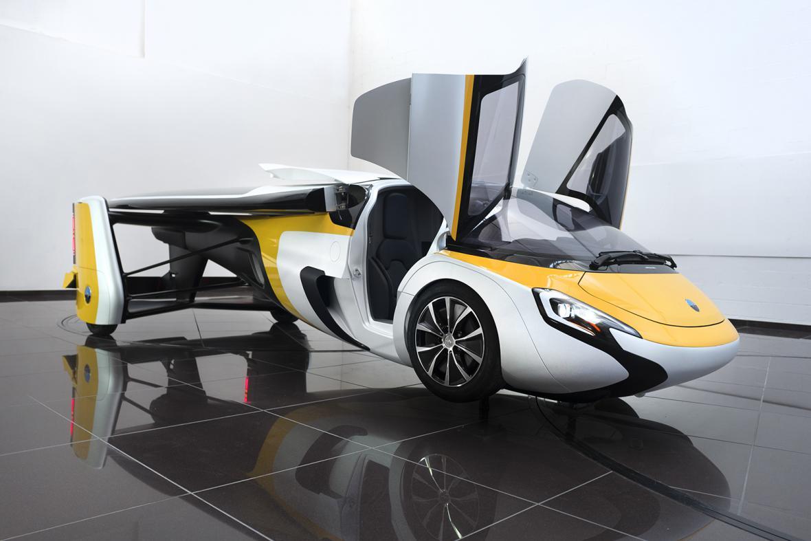 Aeromobil  na světové premiéře v Monaku
