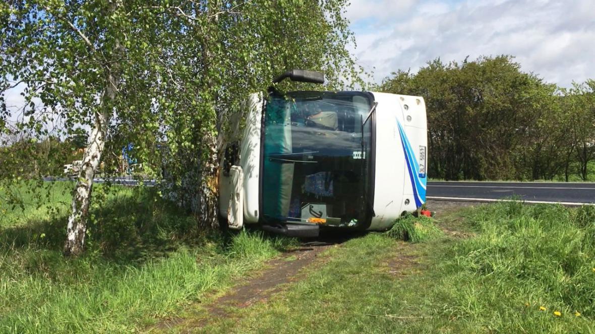 U Vlkavy na Mladoboleslavsku havaroval autobus