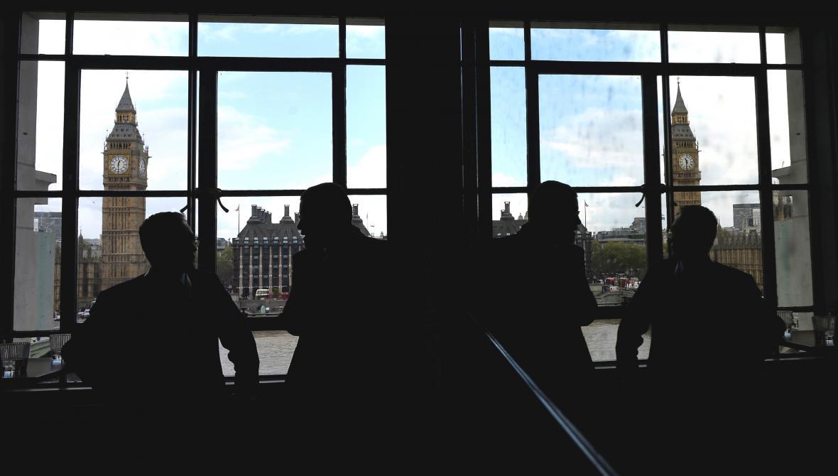 Pohled na budovy parlamentu