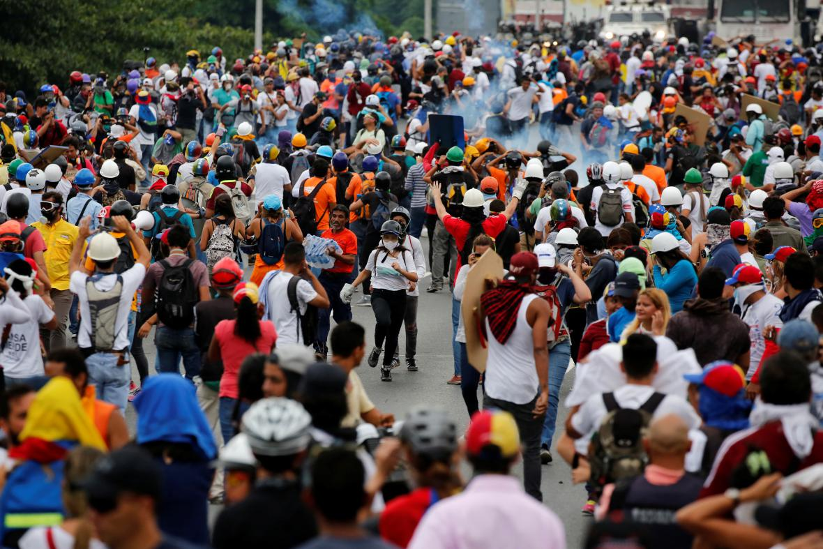 Pouliční válka v Caracasu
