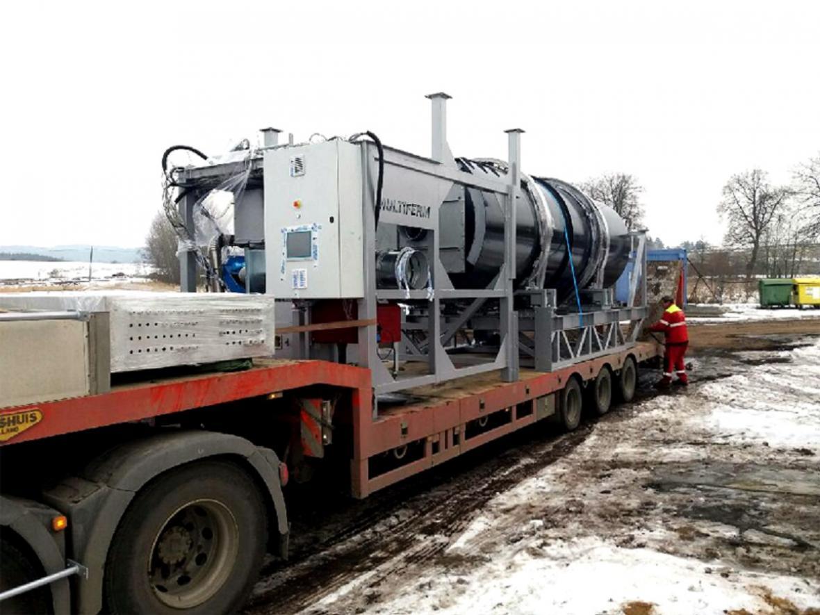 Stroj na výrobu paliva z bioodpadu